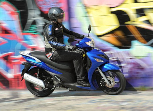 Suzuki Sixteen 125/150 – Test Ride - Foto 7 di 9