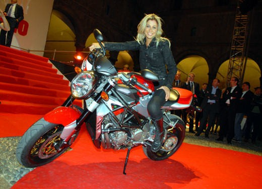 """Brutale 1078RR è la """"Moto dell'anno 2008"""" - Foto 3 di 30"""