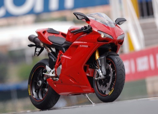 """Brutale 1078RR è la """"Moto dell'anno 2008"""" - Foto 17 di 30"""
