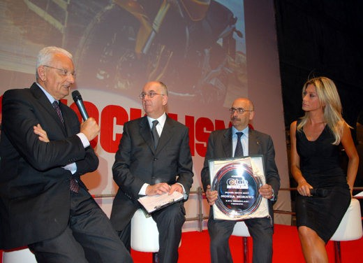 """Brutale 1078RR è la """"Moto dell'anno 2008"""" - Foto 9 di 30"""