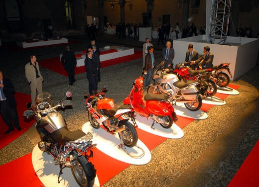 """Brutale 1078RR è la """"Moto dell'anno 2008"""" - Foto 11 di 30"""