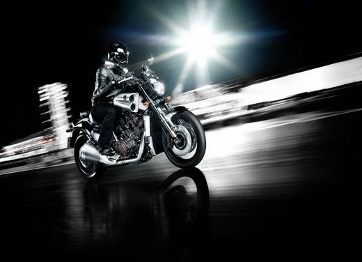 Yamaha V-Max 2009 - Foto 35 di 46