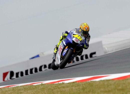 Stoner e Ducati: terza vittoria consecutiva - Foto 4 di 14