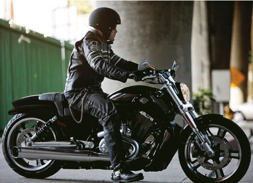 Harley Davidson V Rod Muscle - Foto 15 di 27