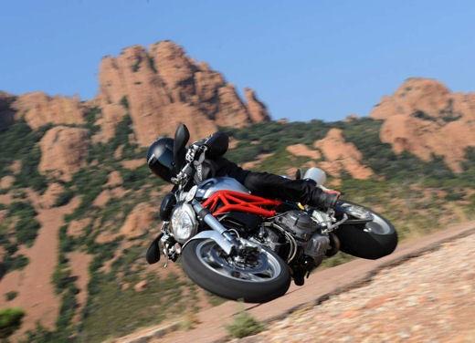 Ducati Monster 1100 - Foto 25 di 35