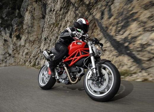 Ducati Monster 1100 - Foto 29 di 35
