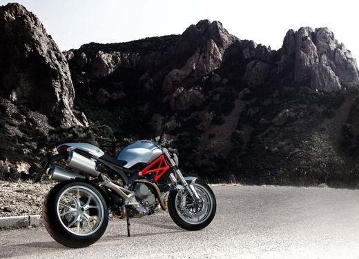 Ducati Monster 1100 - Foto 30 di 35