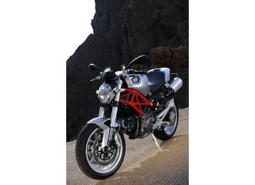 Ducati Monster 1100 - Foto 32 di 35