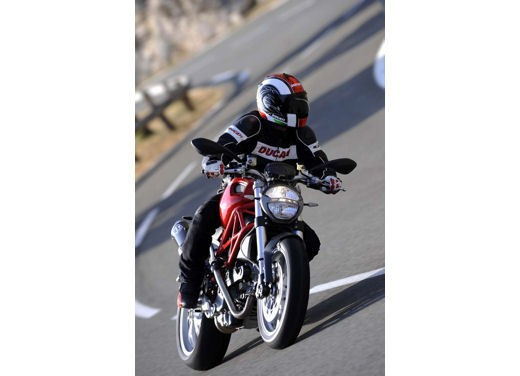 Ducati Monster 1100 - Foto 33 di 35