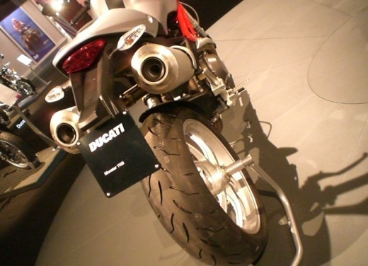 Ducati Monster 1100 - Foto 13 di 35