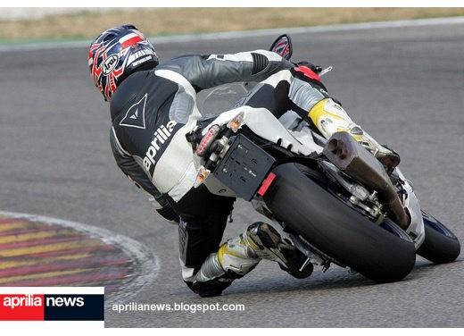 Aprilia RSV4 Superbike - Foto 6 di 10