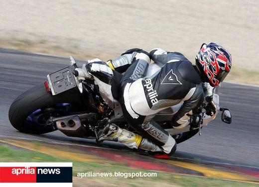 Aprilia RSV4 Superbike - Foto 8 di 10