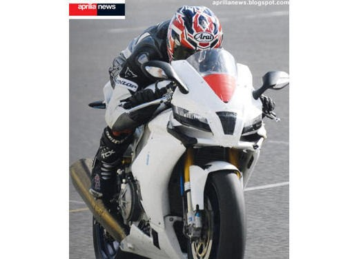 Aprilia RSV4 Superbike - Foto 9 di 10