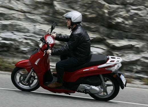 Kymco People 200 – Test Ride - Foto 2 di 10