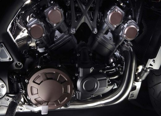 Yamaha V-Max – Test Ride Report - Foto 15 di 30