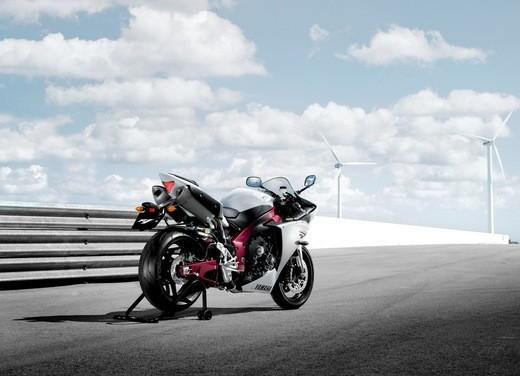 Nuova Yamaha YZF R1 2009 - Foto 2 di 48