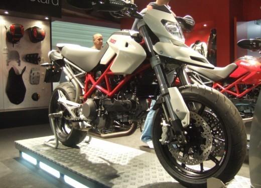 Ducati Hypermotard 1100 – nuovi colori - Foto 2 di 13