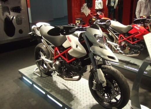 Ducati Hypermotard 1100 – nuovi colori - Foto 12 di 13