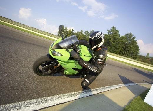 Kawasaki Ninja ZX-6R 2009 - Foto 17 di 25