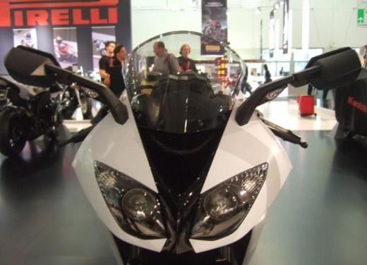 Kawasaki Ninja ZX-10R 2009 - Foto 15 di 19