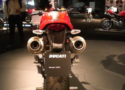 Ducati Monster 1100 S - Foto 24 di 25