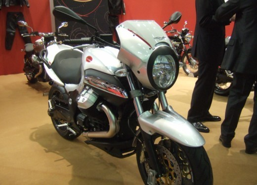 Moto Guzzi 1200 Sport 4V - Foto 4 di 21