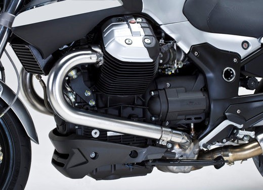 Moto Guzzi 1200 Sport 4V - Foto 11 di 21