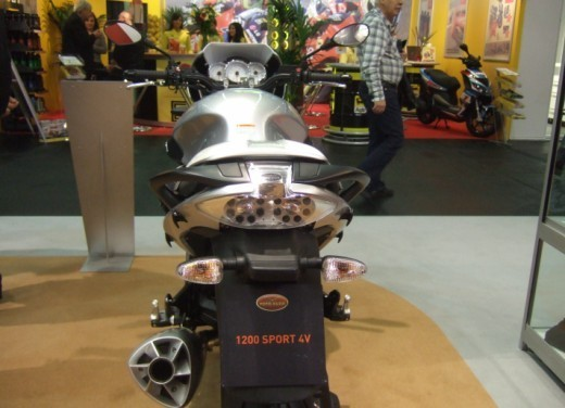 Moto Guzzi 1200 Sport 4V - Foto 7 di 21