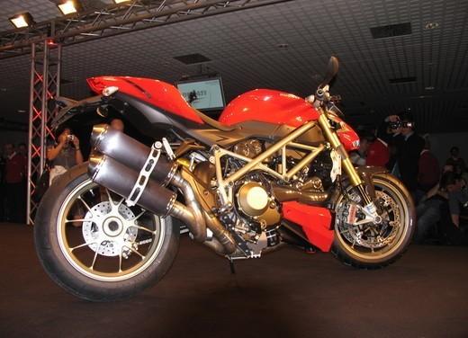 """World Ducati Week 2012: il """"Pianeta dei Campioni"""" alza il sipario - Foto 22 di 34"""