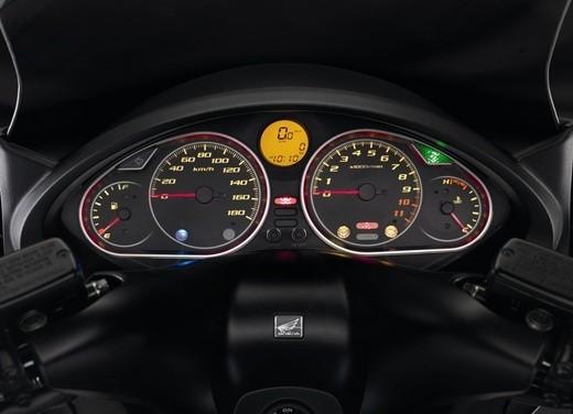 Honda SW-T 400 - Foto 20 di 22