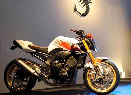 Yamaha FZ1 Concept Bike - Foto 8 di 17