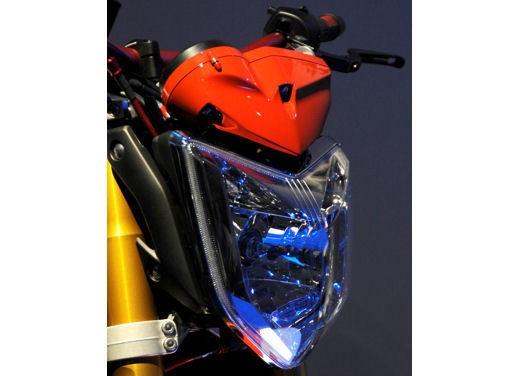 Yamaha FZ1 Concept Bike - Foto 10 di 17