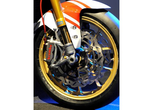 Yamaha FZ1 Concept Bike - Foto 11 di 17