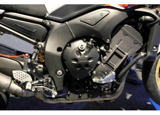 Yamaha FZ1 Concept Bike - Foto 13 di 17