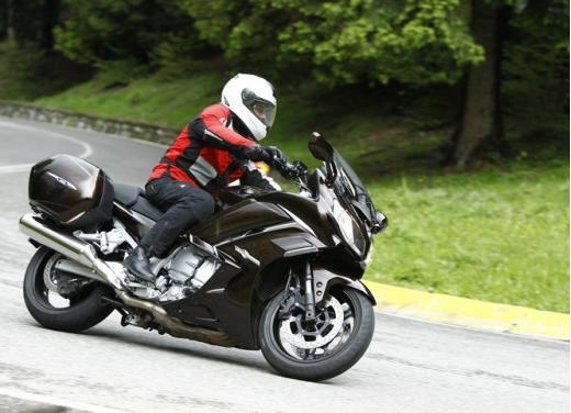 Yamaha FJR 1300 AS: sport tourer all'avanguardia - Foto 7 di 25