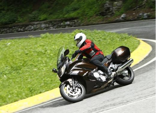 Yamaha FJR 1300 AS: sport tourer all'avanguardia - Foto 8 di 25