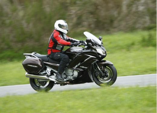 Yamaha FJR 1300 AS: sport tourer all'avanguardia - Foto 12 di 25