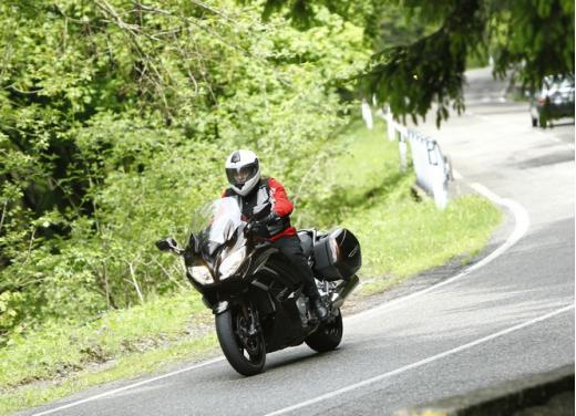 Yamaha FJR 1300 AS: sport tourer all'avanguardia - Foto 25 di 25