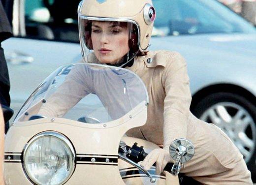 Le donne in moto più brave degli uomini - Foto 3 di 17