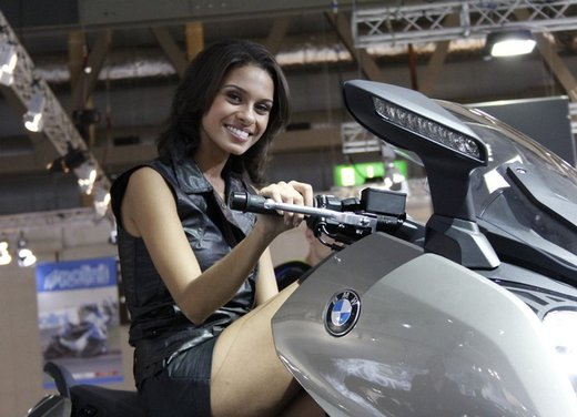 BMW C 650 GT video ufficiale del maxi scooter turistico BMW - Foto 9 di 76