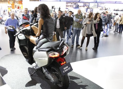 BMW C 650 GT video ufficiale del maxi scooter turistico BMW - Foto 4 di 76