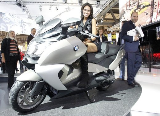 BMW C 650 GT video ufficiale del maxi scooter turistico BMW - Foto 12 di 76