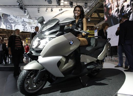 BMW C 650 GT video ufficiale del maxi scooter turistico BMW - Foto 11 di 76