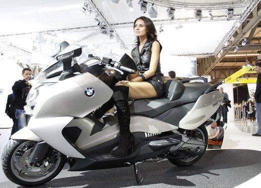 BMW C 650 GT video ufficiale del maxi scooter turistico BMW - Foto 10 di 76