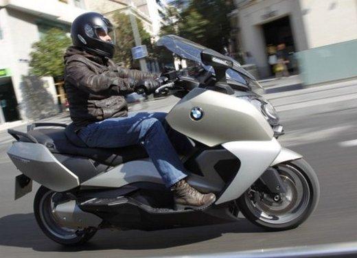 BMW C 650 GT: prova su strada dello scooter turistico - Foto 5 di 22