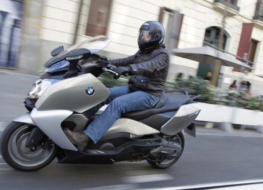 BMW C 650 GT: prova su strada dello scooter turistico - Foto 7 di 22