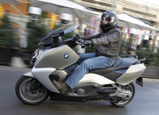 BMW C 650 GT: prova su strada dello scooter turistico - Foto 8 di 22