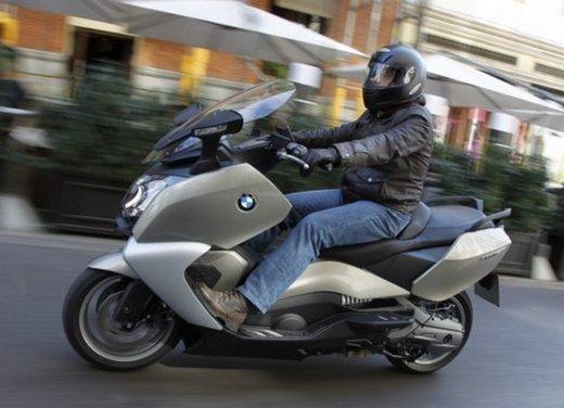 BMW C 650 GT: prova su strada dello scooter turistico - Foto 9 di 22
