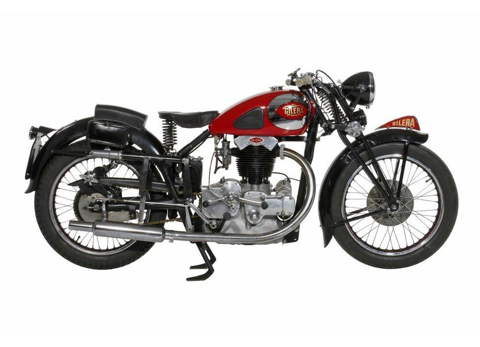 Bollo moto d'epoca: dal 2015 torna la tassa di proprietà per le moto di 20 anni - Foto 3 di 11