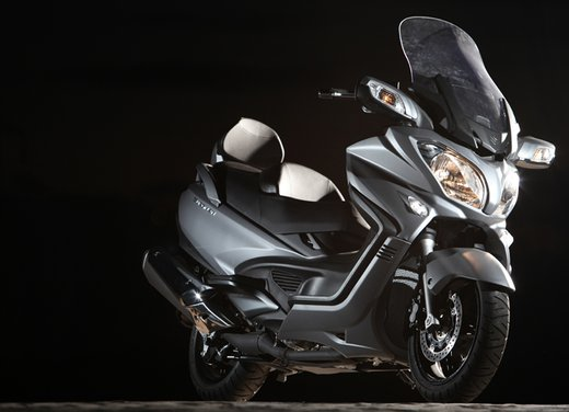 Nuovo Suzuki Burgman 650: la tradizione continua - Foto 25 di 27
